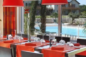 Restaurant proche azay le rideau avec piscine